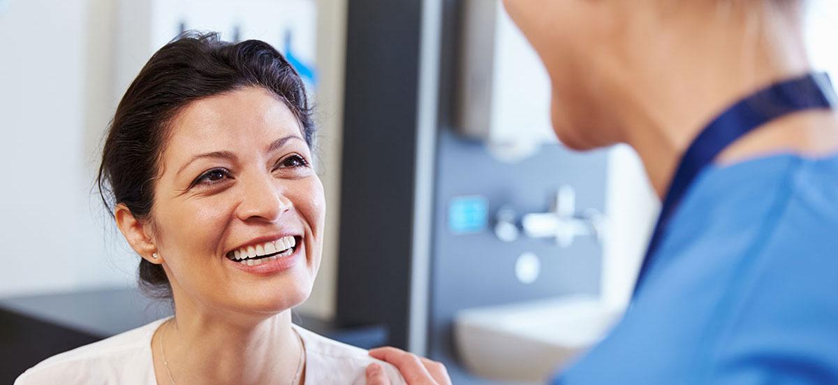 doctor-patient-with-diabetes2